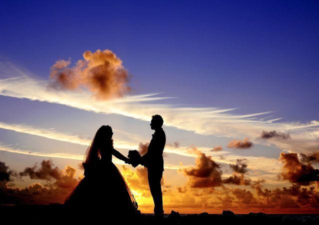 民調:近三分之一的俄羅斯人在工作中發生過戀情