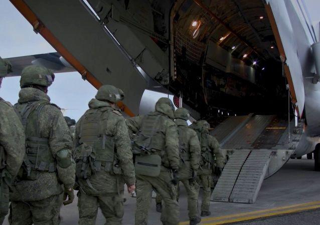 俄國防部:投送維和部隊的第11、12架飛機已前往納卡地區