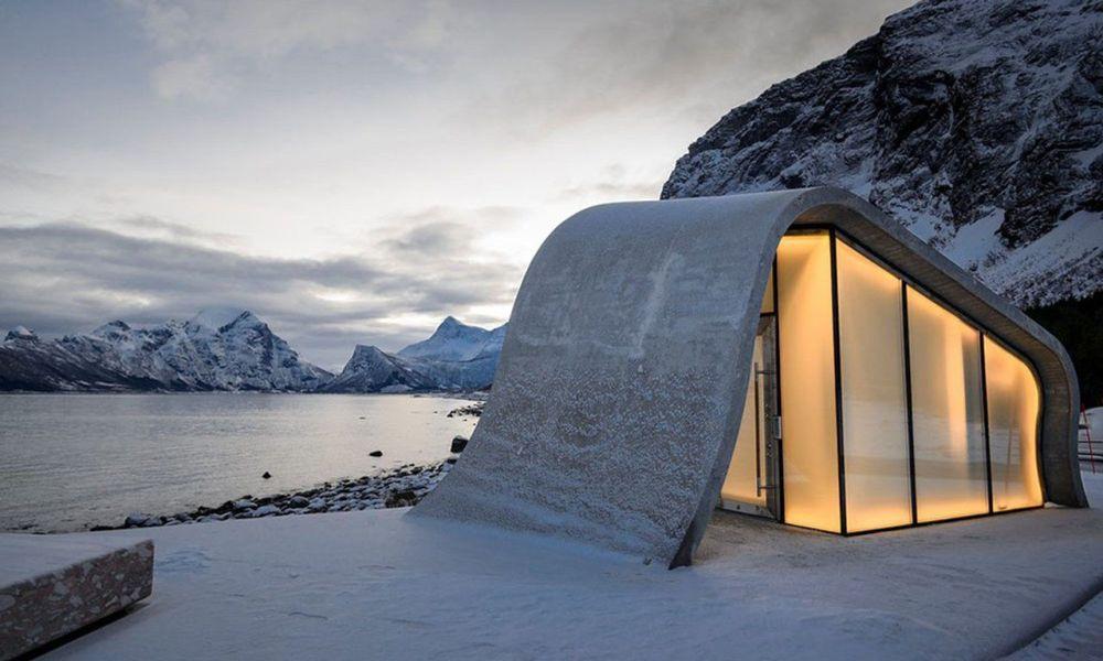 挪威觀景台上的波浪形公廁「Ureddplassen」