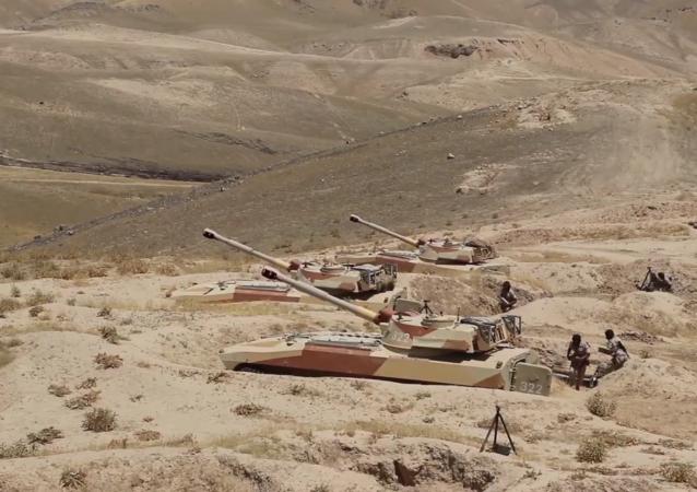 俄駐塔吉克斯坦第201軍事基地炮兵軍事訓練