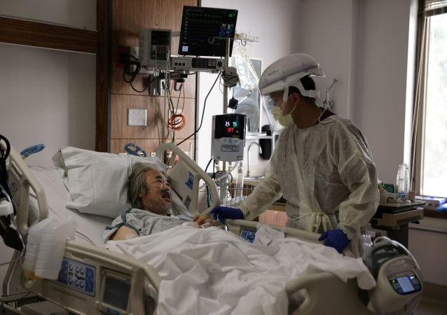 美國累計新冠肺炎確診病例突破2000萬例