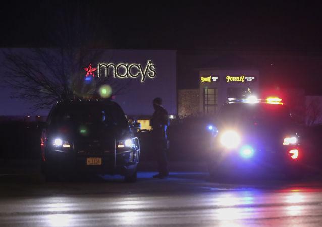 警方:紐約槍手的包中發現一罐汽油和一本聖經