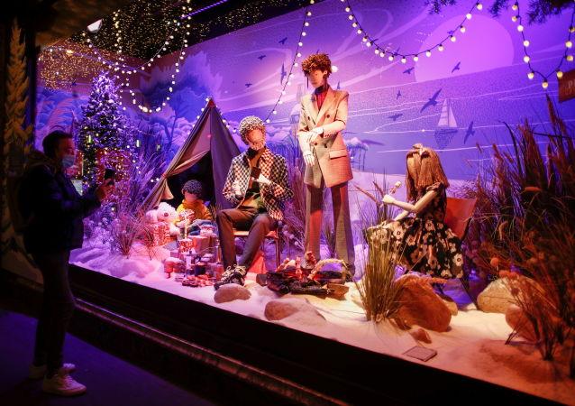 巴黎櫥窗的聖誕裝飾