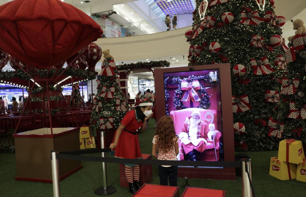 巴西購物中心播放的聖誕老人視頻