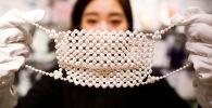 日本鑲著寶石和鉑金的口罩商店