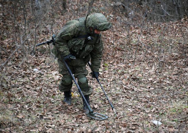 俄維和人員在納卡行動期間排雷270多公頃