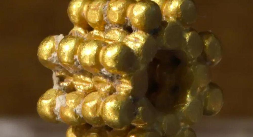 耶路撒冷一名男孩發現距今三千年前的黃金飾品