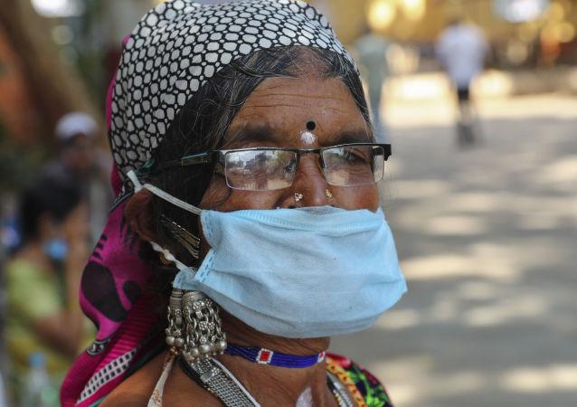 印度單日新增新冠病毒感染病例首次超過13萬例