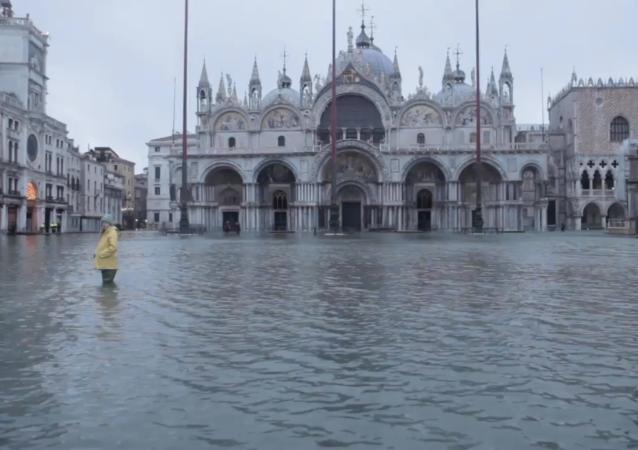 新防洪系統未啓動 威尼斯聖馬可廣場成一片汪洋