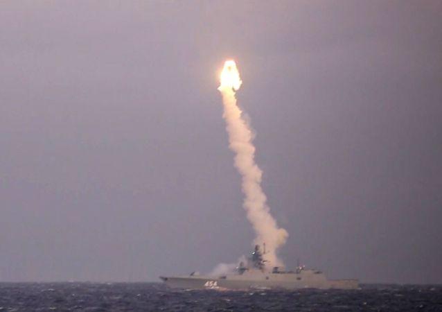 「鋯石」高超音速導彈發射