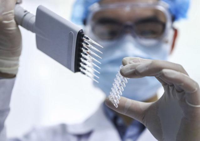 俄安全會議副主席:中國曾向俄羅斯建議自己的冠狀病毒疫苗