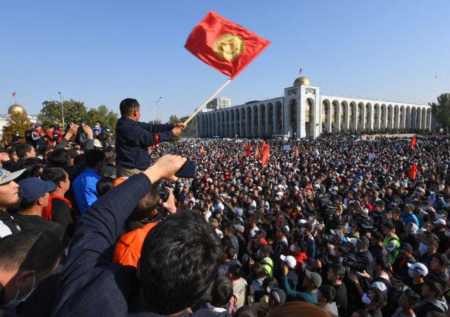 獨聯體觀察員:少量違規行為不影響吉爾吉斯斯坦總統選舉