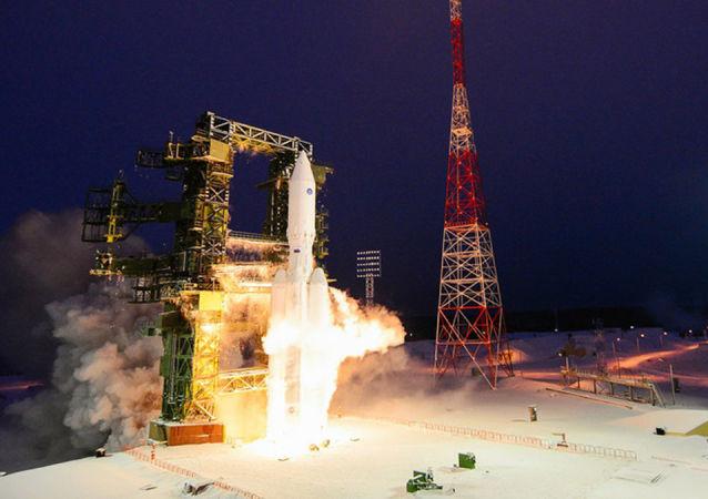 俄航天集團總裁談比「質子」高一倍功率的超重型火箭