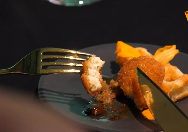 新加坡一餐廳成為世界首家提供人造雞肉菜餚的餐廳