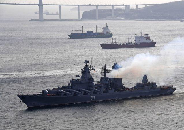 俄太平洋艦隊軍艦在日本海軍演中使用深水炸彈攻擊假想敵潛艇
