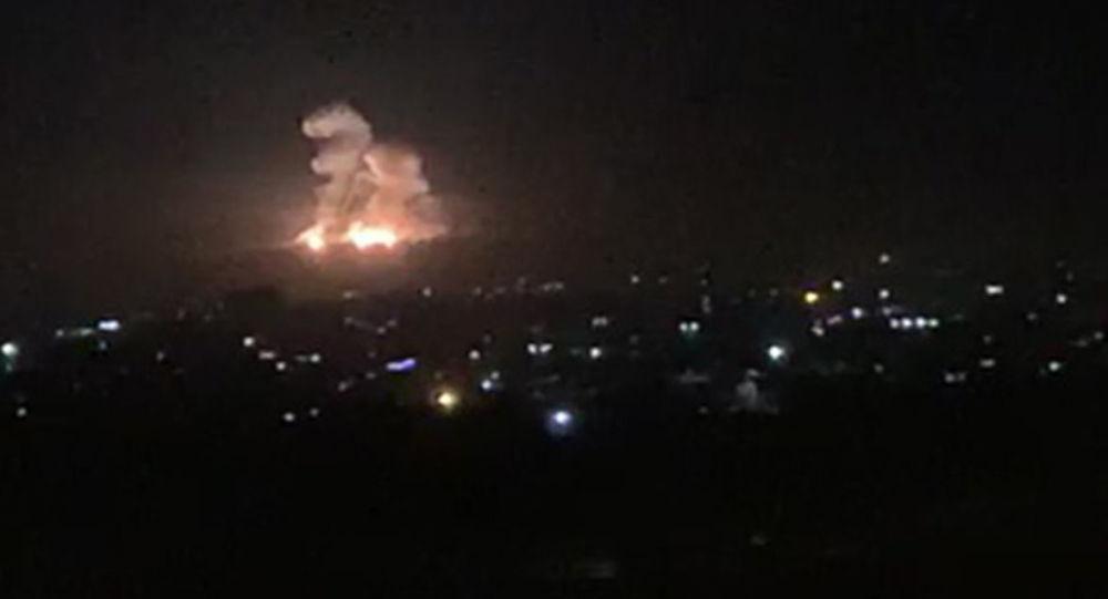 敘利亞防空武器抗擊以色列在大馬士革省的導彈攻擊(資料圖片)