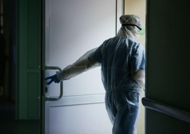 俄防疫指揮部:俄單日新增新冠病毒感染病例8217例 累計超490.5萬例