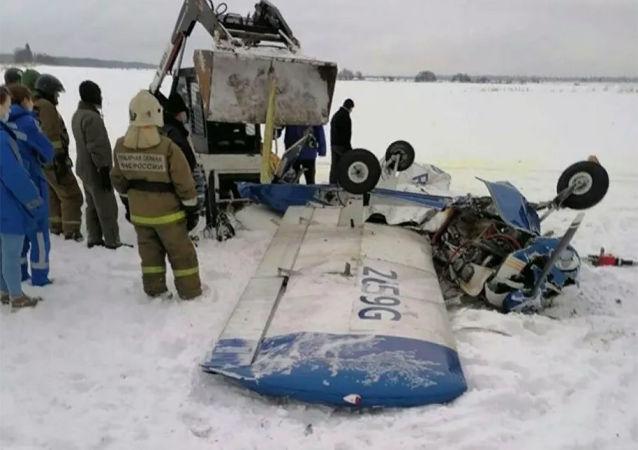 列寧格勒州一架小型飛機墜毀