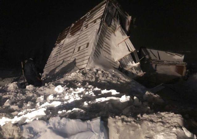 俄諾里爾斯克雪崩現場找到一具男子屍體