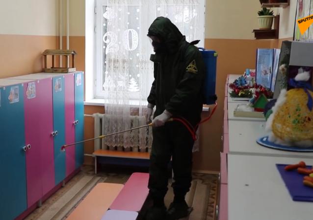 塔吉克斯坦啓動學校幼兒園防病毒消殺工作