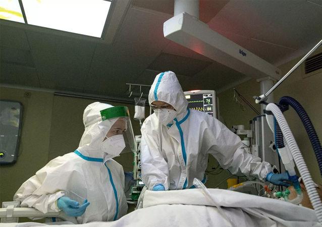俄衛生部:羥氯喹被排除在可能的COVID治療藥物清單之外