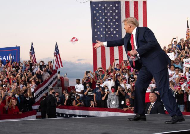 特朗普打算恢復支持者集會