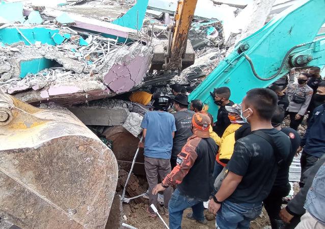 菲律賓南部發生地震導致至少3人受傷