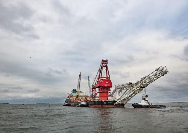 俄羅斯「福爾圖娜」號鋪管船