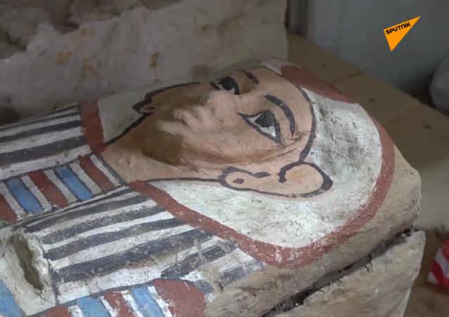 薩卡拉考古遺址發掘過程中發現50多具石棺