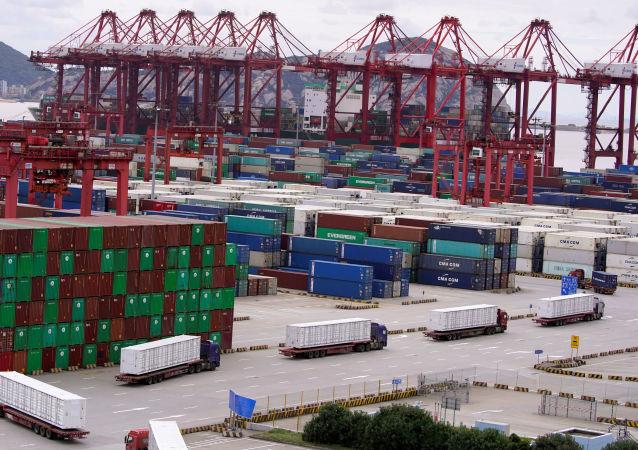 中國今年前兩個月出口總值創紀錄增長60.6% 進口總值增長22.2%