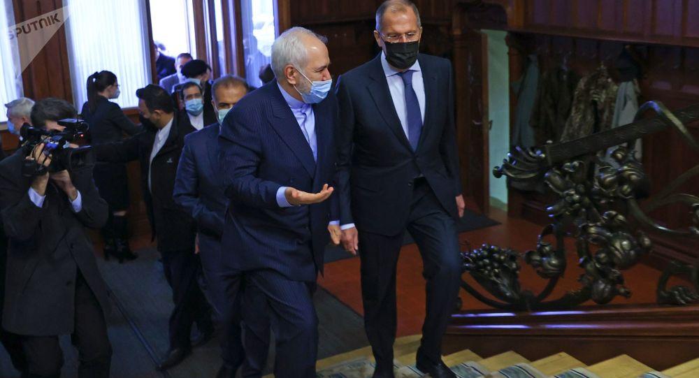 俄羅斯外長拉夫羅夫與伊朗外長扎里夫