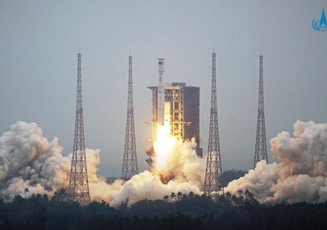 白宮:美國正在跟蹤觀察中國「長征-5B」火箭在太空的動向