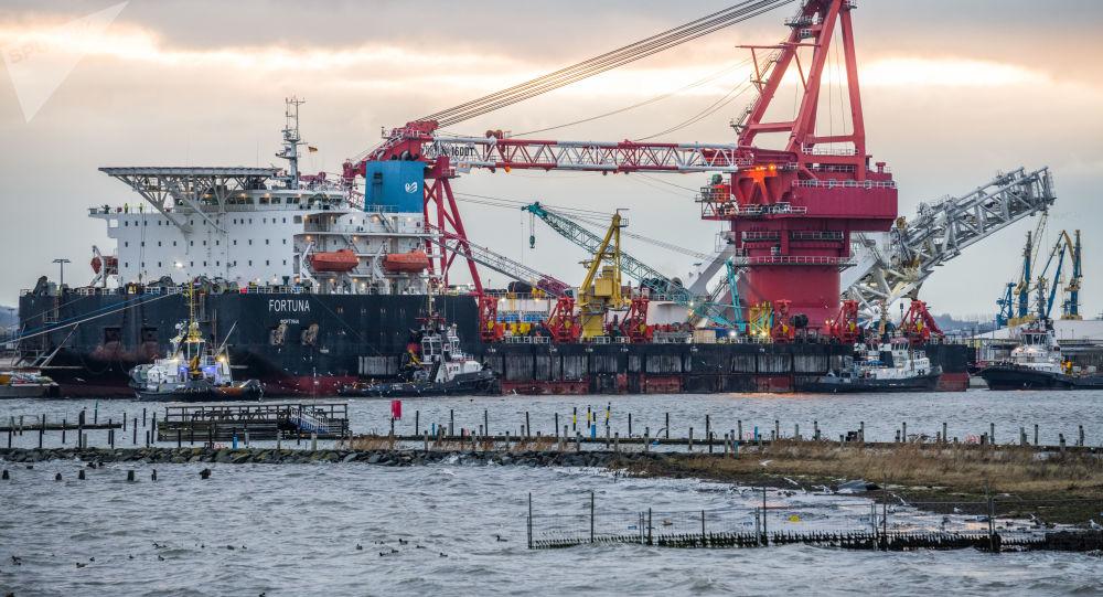 俄羅斯Fortuna鋪管船