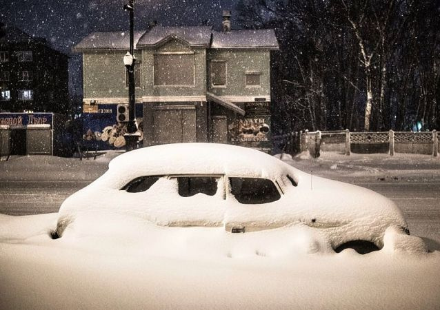 俄車里雅賓斯克州770多名在暴風雪中困於公路上的人得到救助