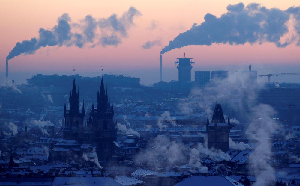 捷克,鳥瞰冬季的布拉格。