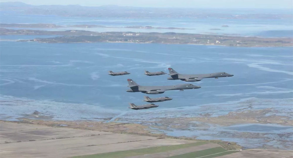美國空軍的F-35戰鬥機和B-1轟炸機在挪威西海岸