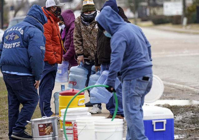 美國得州1300萬人無法喝上淨水