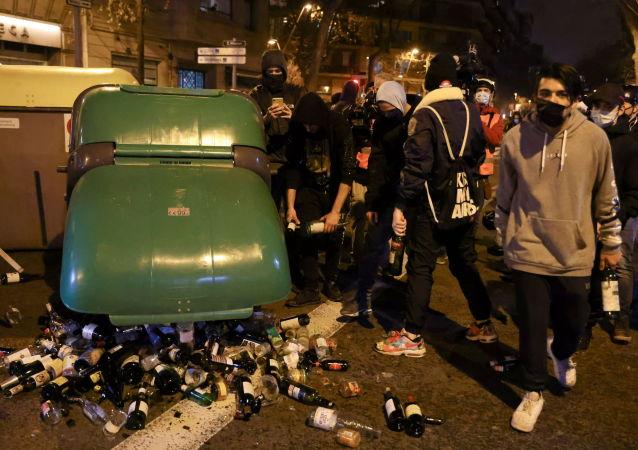 西班牙執法機關:至少10人在巴塞羅那騷亂中被捕