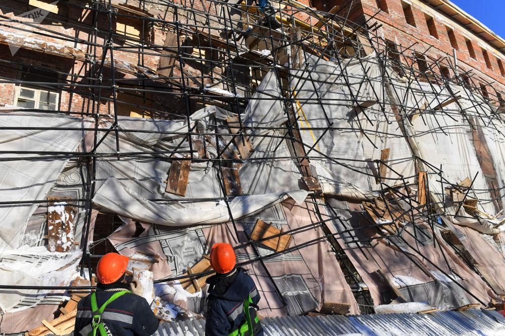 莫斯科市一施工現場發生腳手架垮塌事故。
