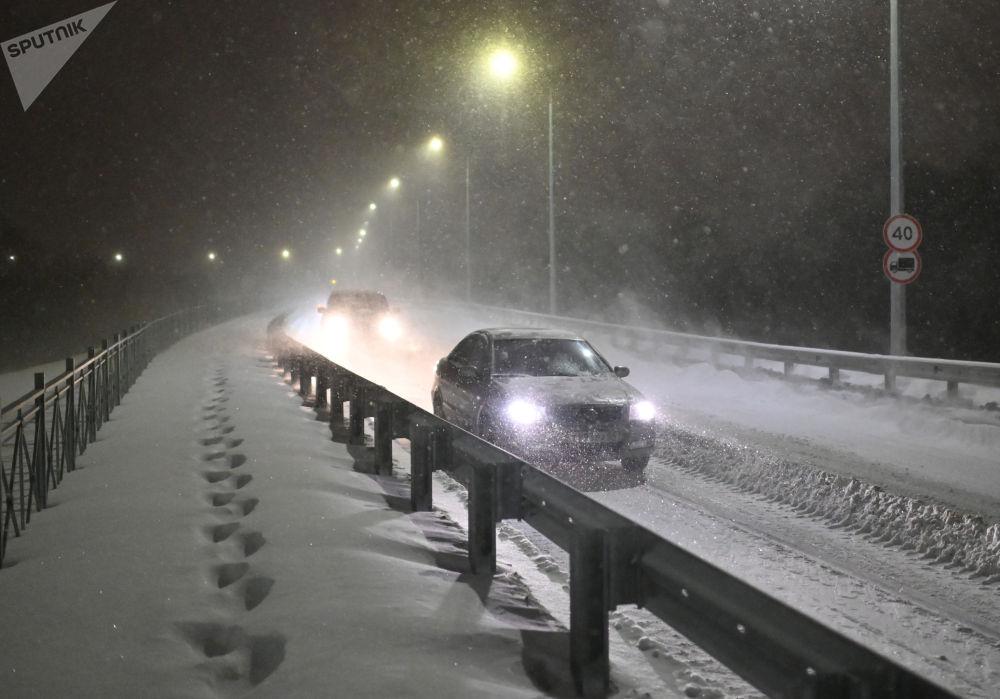 暴雪後的鄂木斯克市。