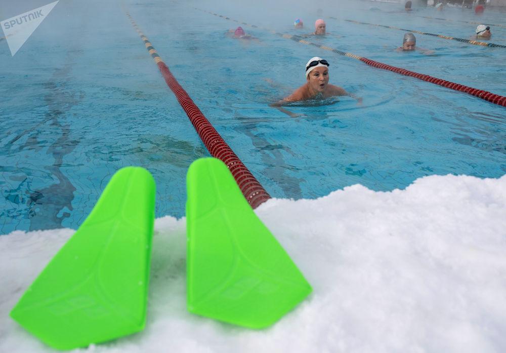 莫斯科市「海燕」公眾游泳池。