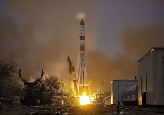 「聯盟號」運載火箭攜「進步號」貨船升空