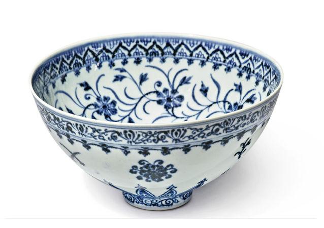 美國拍賣罕見青花瓷碗:估價50萬美元 賣家入手僅花35美元