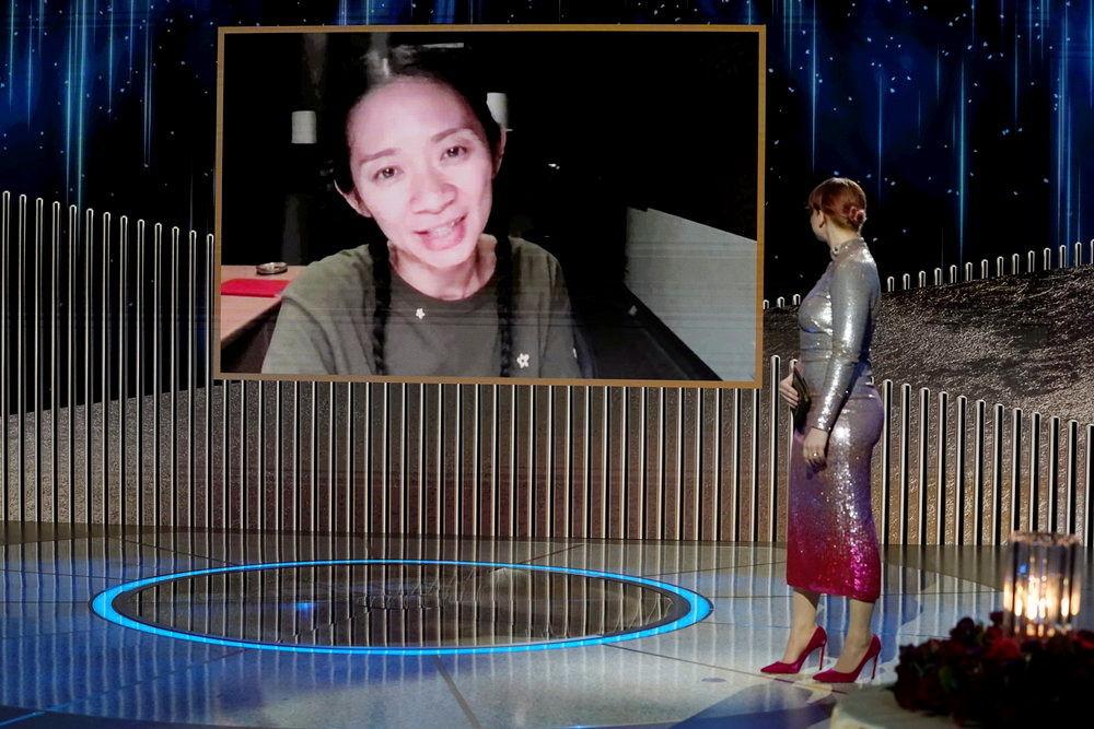 美國華裔導演趙婷參加「金球獎」頒獎典禮活動。