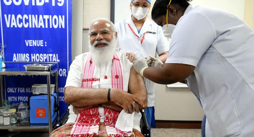 印度總理接種印度國產新冠疫苗