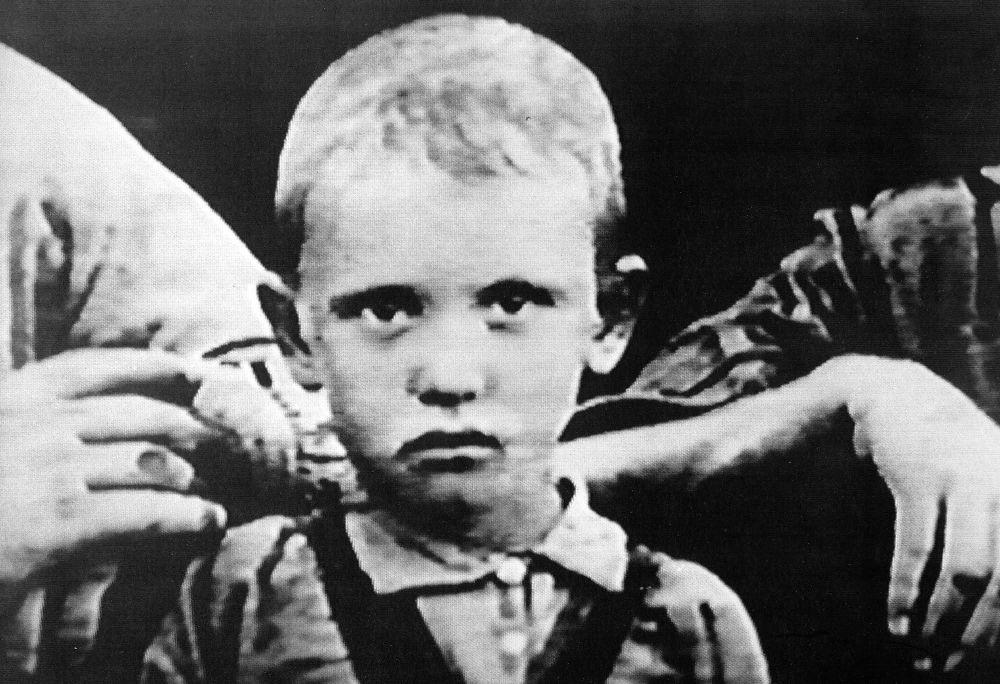 戈爾巴喬夫幼年時期照片。