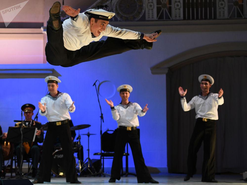 俄羅斯「亞歷山大羅夫」歌舞團專場音樂會。
