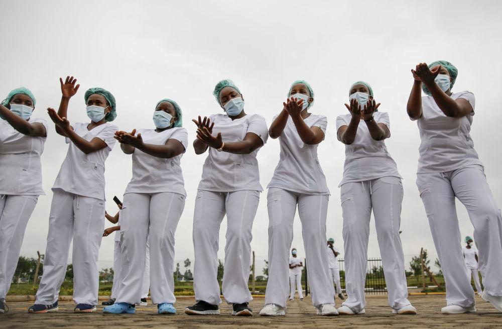 肯尼亞內羅畢女護士。