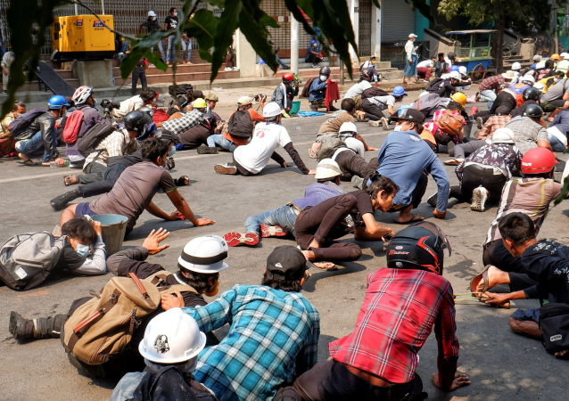 新聞網站:緬甸抗議者與警方的衝突3日造成7人死亡