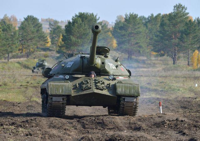 俄達吉斯坦共和國駐軍一輛坦克起火 資料圖